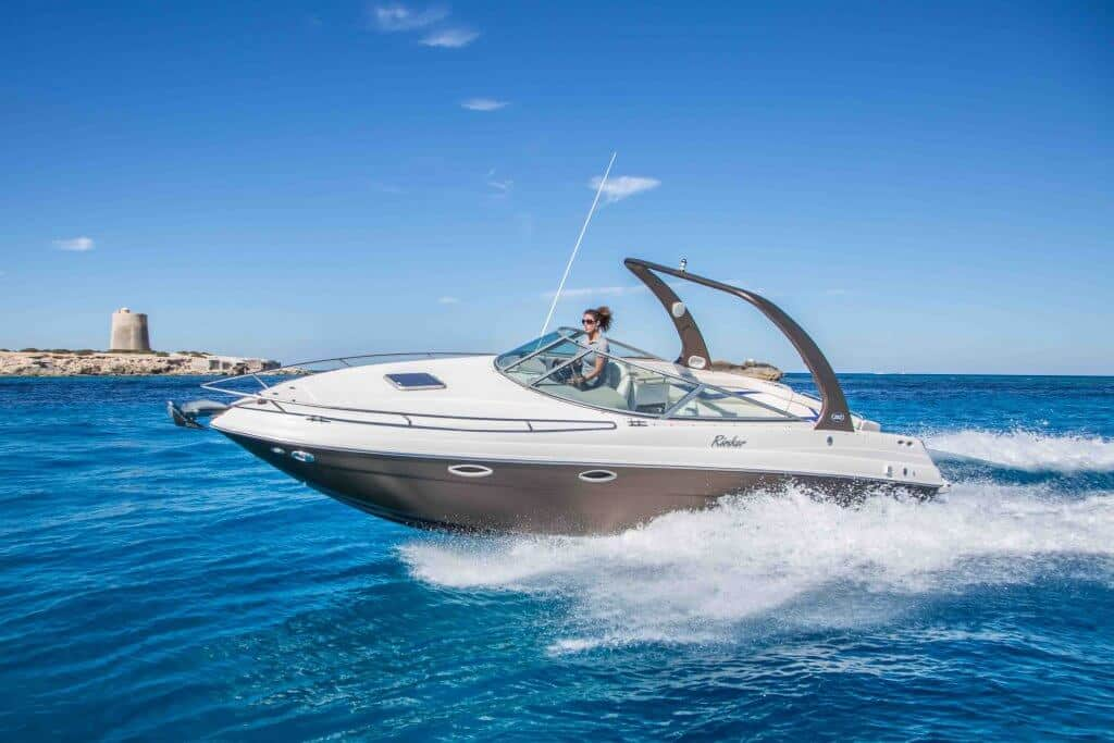 Rinker 29 cruising in Ibiza