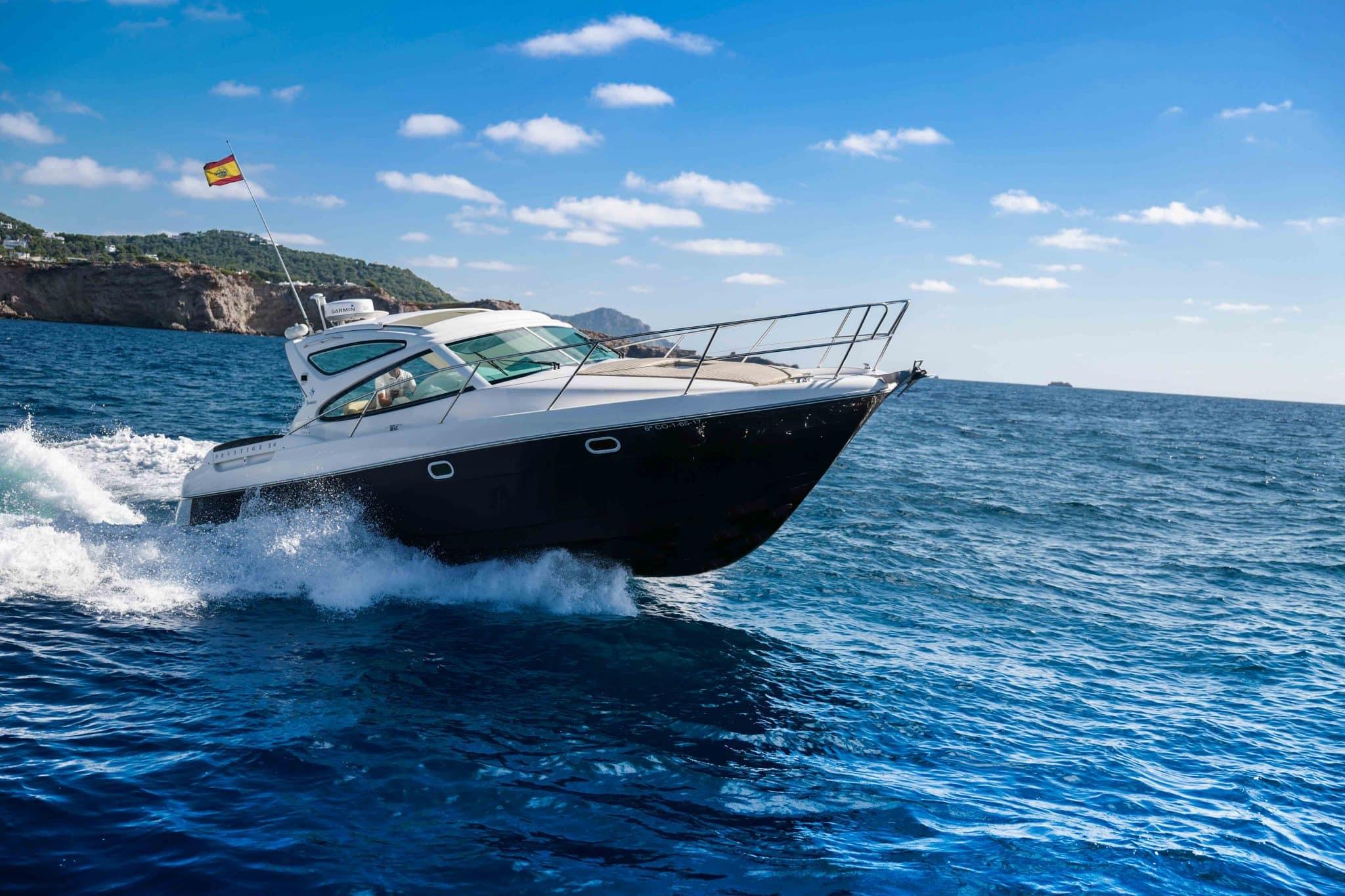 Prestige 34 Ibiza cruising